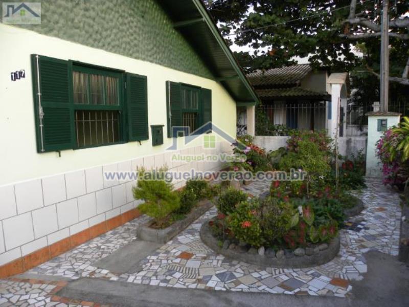 Casa Codigo 2047 para temporada no bairro Lagoinha na cidade de Florianópolis Condominio
