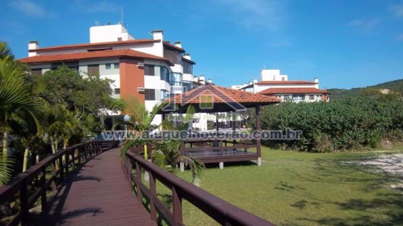 Apartamento Codigo 32000 para temporada no bairro Ponta das  Canas na cidade de Florianópolis Condominio blue garden