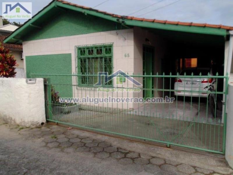 Casa Codigo 3033 para temporada no bairro Ponta das  Canas na cidade de Florianópolis Condominio