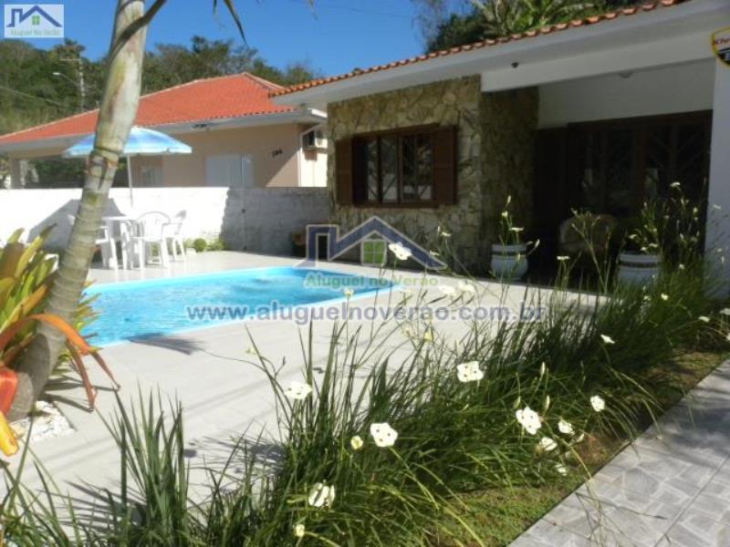 Casa Codigo 2053 para temporada no bairro Lagoinha na cidade de Florianópolis Condominio