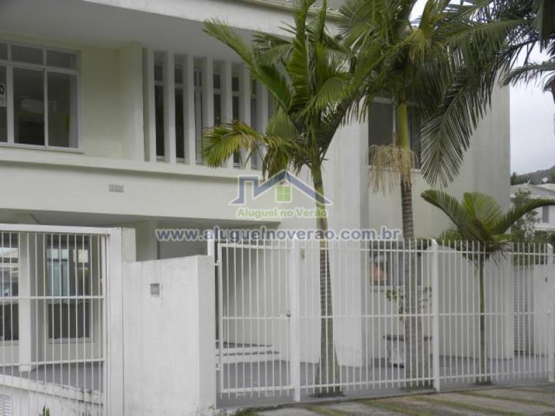 Casa Codigo 1007 para temporada no bairro Praia Brava na cidade de Florianópolis Condominio