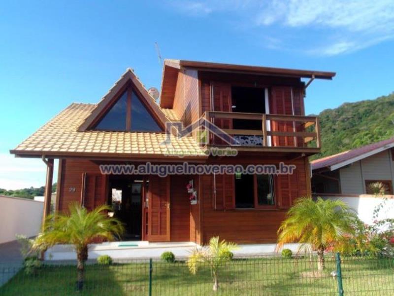 Casa Codigo 4000 no bairro Cachoeira do Bom Jesus na cidade de Florianópolis Condominio