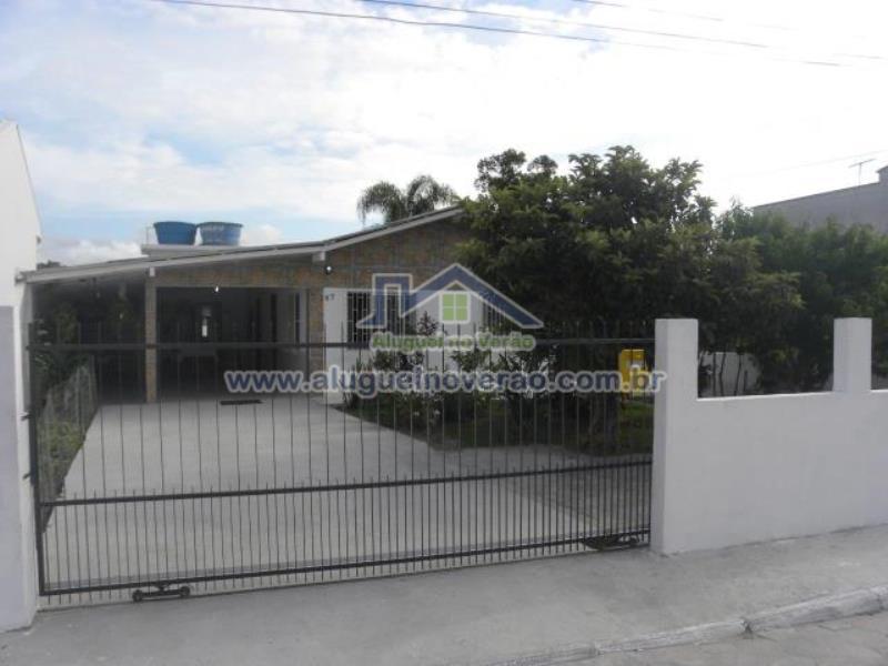 Casa Codigo 3035 para temporada no bairro Ponta das  Canas na cidade de Florianópolis Condominio