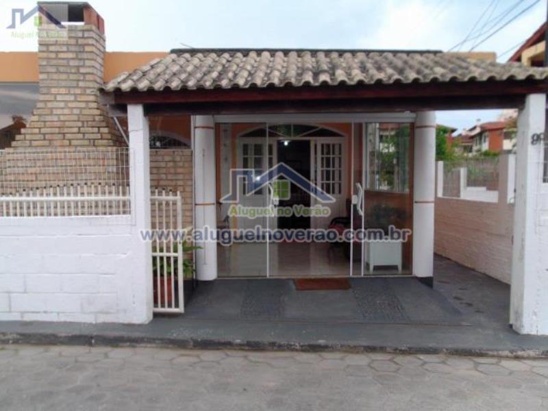Casa Codigo 3037 para temporada no bairro Ponta das  Canas na cidade de Florianópolis Condominio