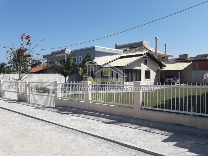 Casa Codigo 3038 para temporada no bairro Ponta das  Canas na cidade de Florianópolis Condominio