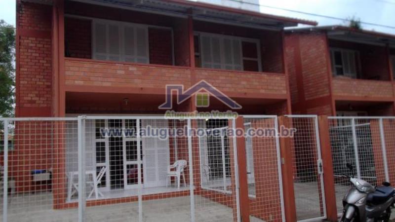 Casa Codigo 4003 para temporada no bairro Cachoeira do Bom Jesus na cidade de Florianópolis Condominio