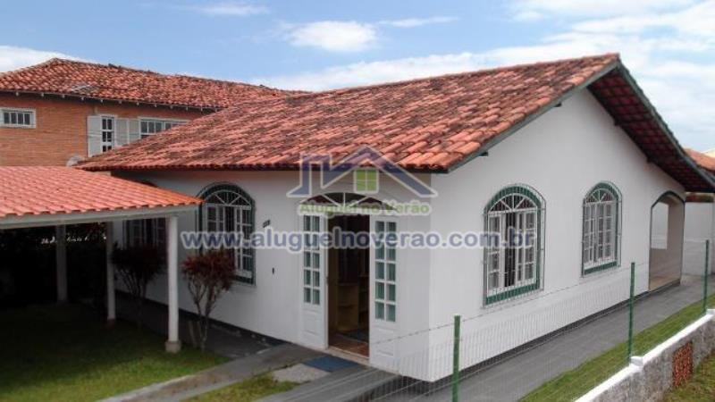 Casa Codigo 3041 para temporada no bairro Ponta das  Canas na cidade de Florianópolis Condominio