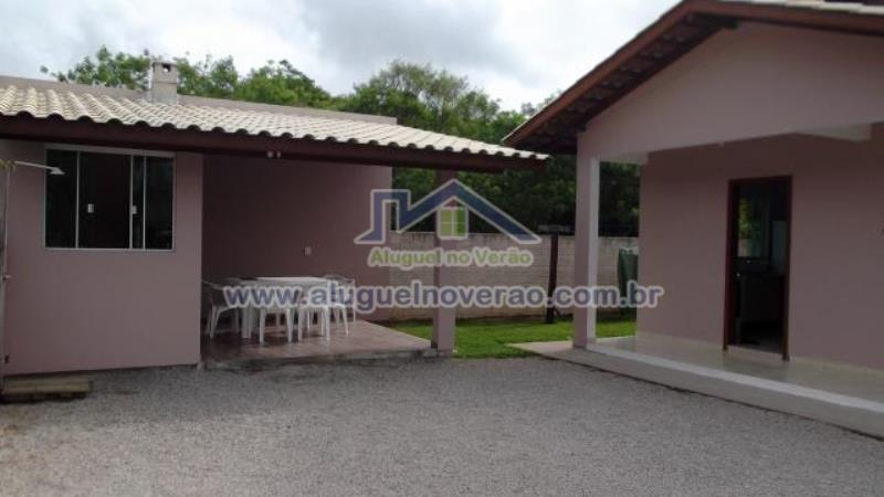 Casa Codigo 3044 para temporada no bairro Ponta das  Canas na cidade de Florianópolis Condominio