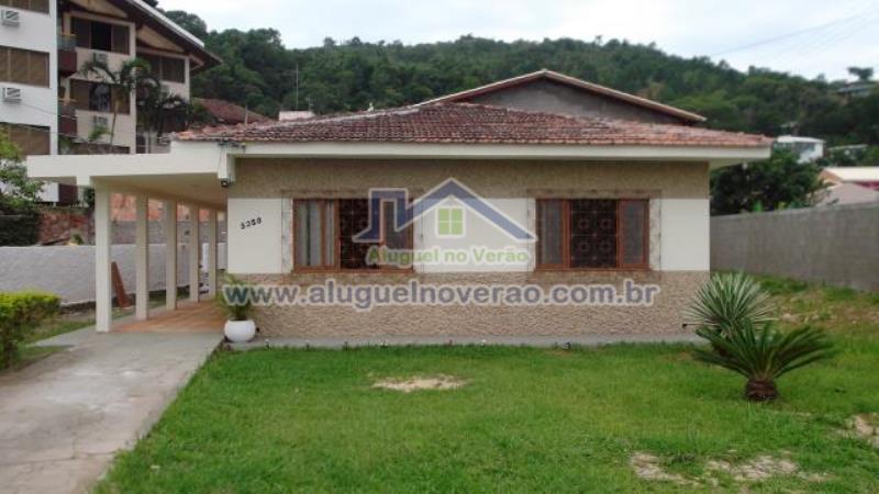 Casa Codigo 3050 para temporada no bairro Ponta das  Canas na cidade de Florianópolis Condominio