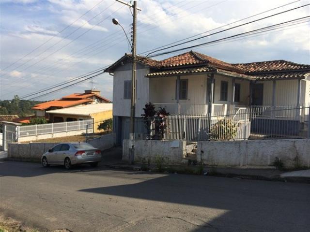 Casa-Codigo 631-a-Venda-no-bairro-Vila Isabel-na-cidade-de-Criciúma