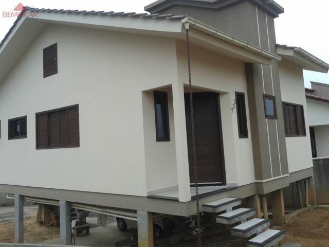 Casa-Codigo 5351-a-Venda-no-bairro-Pinheirinho-na-cidade-de-Criciúma