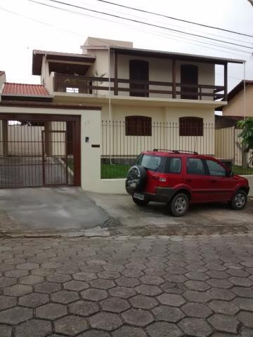 Casa-Codigo 9041-a-Venda-no-bairro-Maria Céu-na-cidade-de-Criciúma