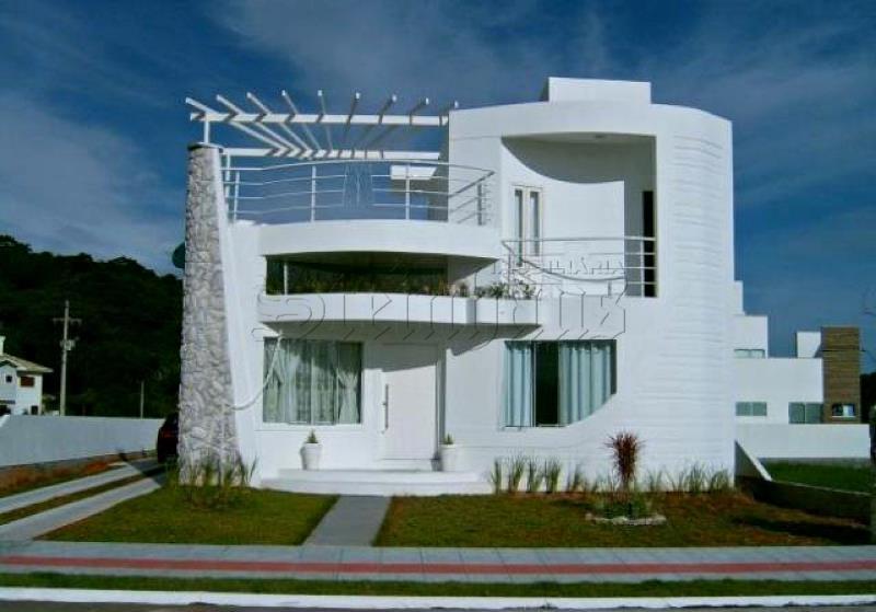 Casa Código 8422 para Venda no bairro Cachoeira do Bom Jesus na cidade de Florianópolis