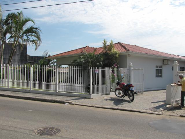 Casa Código 8636 para Venda no bairro Canasvieiras na cidade de Florianópolis