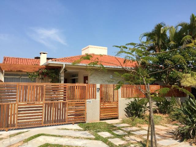 Casa Código 9049 para Temporada no bairro Daniela na cidade de Florianópolis