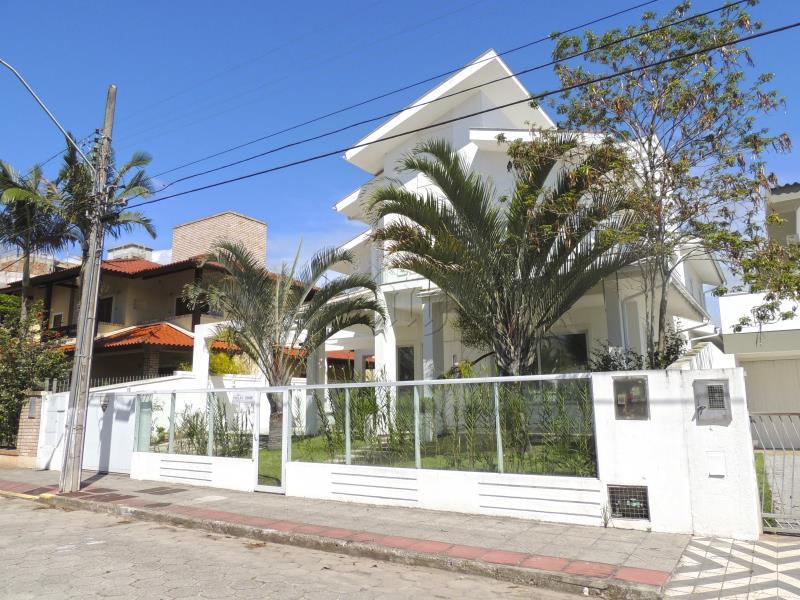 Casa Código 9335 para Temporada no bairro Jurerê na cidade de Florianópolis