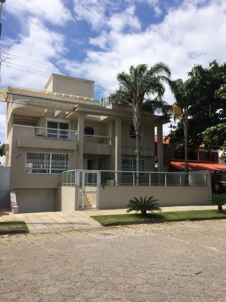 Casa Código 9869 para Temporada no bairro Daniela na cidade de Florianópolis