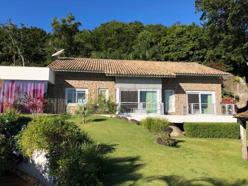Casa Código 9890 para Venda  no bairro Praia do Forte na cidade de Florianópolis
