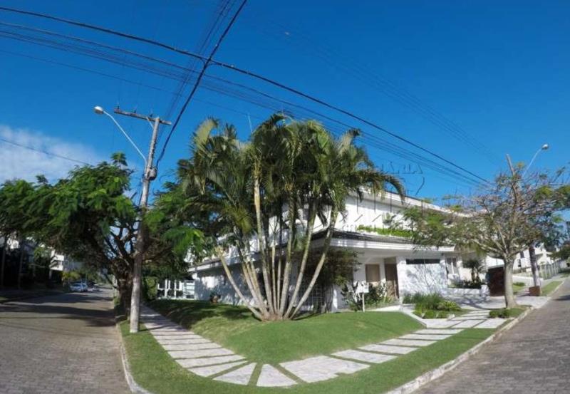 Casa Código 9913 a Venda  no bairro Jurerê Internacional na cidade de Florianópolis