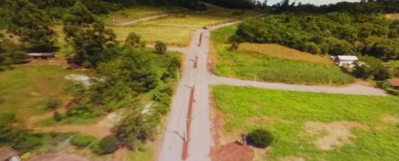 Diversos terrenos localizados na Vila Tamanduá, com metragens entre 360m² à 764m² . Valores à partir de R$ 65.000,00 .