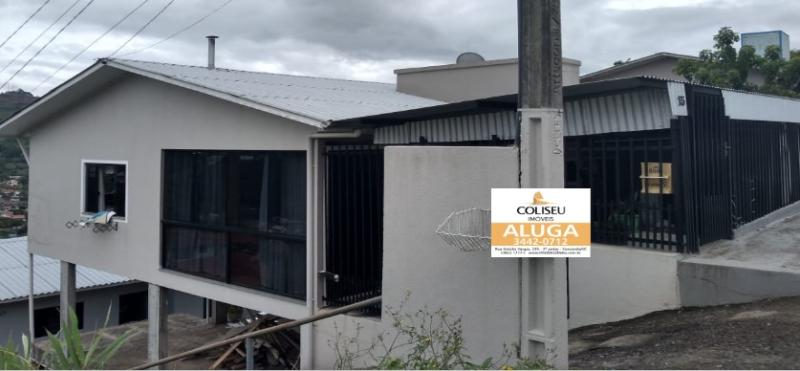 Casa-Código-241-para-Alugar--no-bairro-Vista Alegre-na-cidade-de-Concórdia