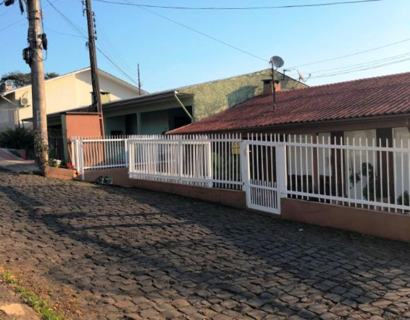 Casa-Código-85-para-Alugar--no-bairro-Cinquentenário-na-cidade-de-Concórdia