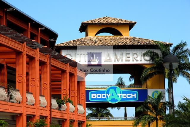 Shopping Cittá América  Alugo lojas de 104m2 a  320m2 Até 6 vagas de garagem Valor do m2 para locação R$ 60/m2 condomínio mensal R$ 42,50/m2 iptu mensal R$ 21/m2  Obs: os valores constantes na página inicial do anuncio são referntes a metragem mínima a ser locada de 104m2, bem como condomínio e iptu. LIGUE AGORA E AGENDE UMA VISITA!!                                                                                                                                                            ...