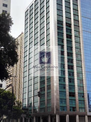 Av. Presidente Vargas, ed. Torre Boa Vista Alugo 5  andares (corridos) com 451 m2 (cada andar), juntos ou separados.  Edificio com padrão elevado, excelente portaria e arquitetura de ponta, portanto, bonito, imponente e moderno, além de muito bem localizado, próximo ao metrô da Av. Presidente Vargas e Uruguaiana. A área locável são 2.257 m2, o edifício é composto por 21 andares sendo 1 por andar. Valor de locação: R$ 85,00 m2. Condominio: R$ 19,00 m2. Iptu: R$ 3,50 m2. O edifício possui ger...