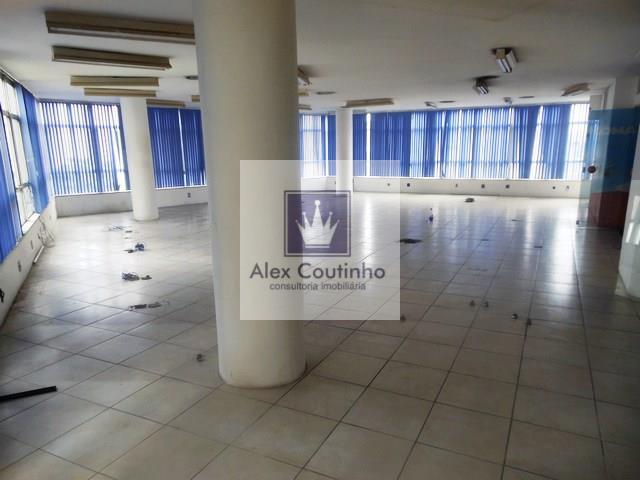 Alugo sobreloja com 110 m2  ou andares apartir de 140 m2, temos alguns andares no edifício, todos com 140 m2 ( cada andar).  Valores de locação: Sobreloja (110 m2) = R$ 3.000,00  Condomínio R$ 1.873,44 Iptu R$ 450,00 (mensal)  Andar (140 m2) = R$ 4.000,00  Condomínio R$ 2.740,00 Iptu R$ 688,40 (mensal)  Os valores constantes na página inicial do anúncio saõ referentes a sala com 140 m2, assim como, iptu e condomínio. LIGUE AGORA E AGENDE UMA VISITA!!                                  ...