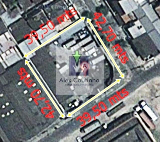 Rua Otranto - Alugo terreno comercial/industrial no coração de Vigário Geral, proximo a Praça 2 e Av. Brasil, excelente localização, terreno com 1.716 m2, com portão de garagem e  escritório. Valor de locação: 17.700,00 Ipu mensal: R$ 166,00  LIGUE AGORA E AGENDE UMA VISITA!                                                                                                                                                                                                                             ...