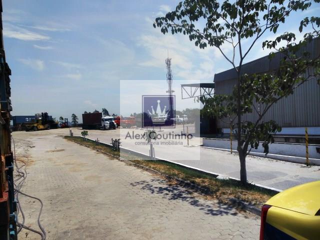 Cajú - RJ, alugo ou vendo excelente área com total de 25.000 m2, ao lado do Porto do RJ, com Galpão com 4.000 m2 de área construída (dentro da área de 25.000m2). A localização é estratégica, considerada nobre principalmente para empresas que acessam o Porto. Valor da locação: R$ 15,00 m2. Valor de venda R$ 2.500,00 o m2. LIGUE AGORA E AGENDE UMA VISITA!!                                                                                                                                              ...