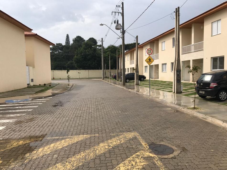 Casa+Codigo+729+a+Venda+no+bairro+Vila Areao+na+cidade+de+Taubaté+Condominio+recanto dos ipês