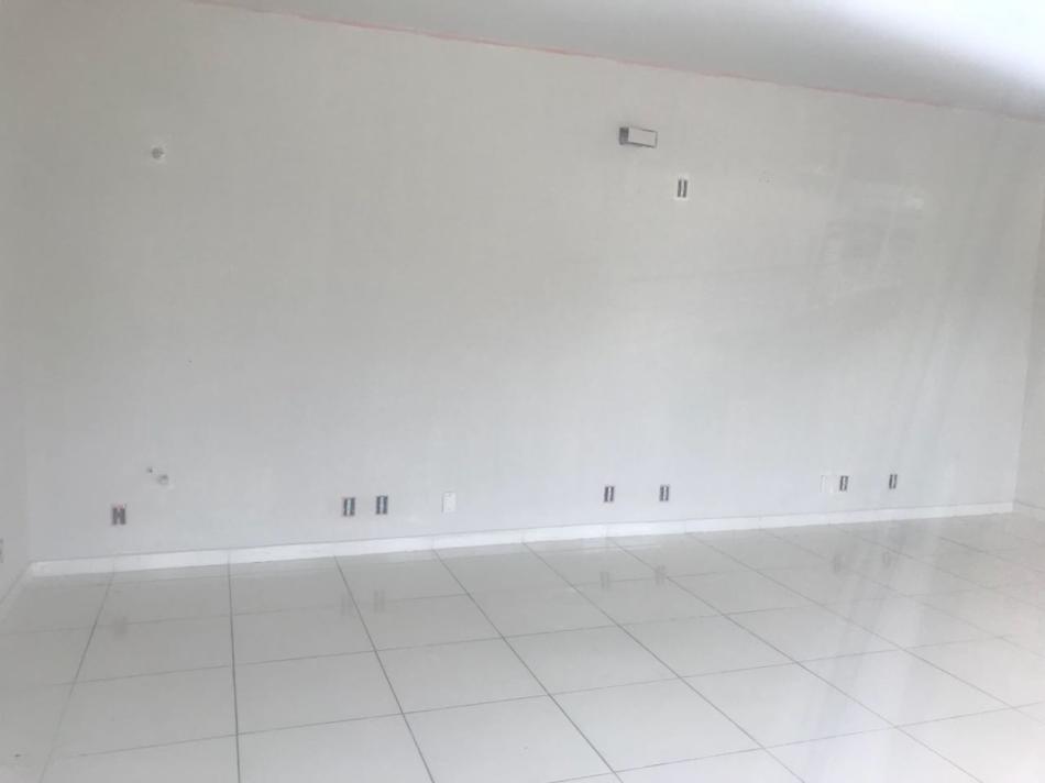 Sala+Codigo+809+para+alugar+no+bairro-Centro+na+cidade+de+Pindamonhangaba+Condominio+fortunato moreira