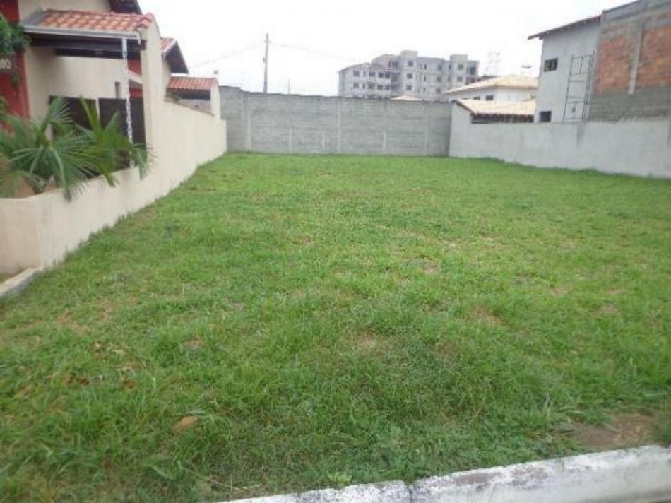 Terreno+Codigo+208+a+Venda+no+bairro+Santana+na+cidade+de+Pindamonhangaba+Condominio+associação dos adquirentes de lotes do loteamento residencial village do sol