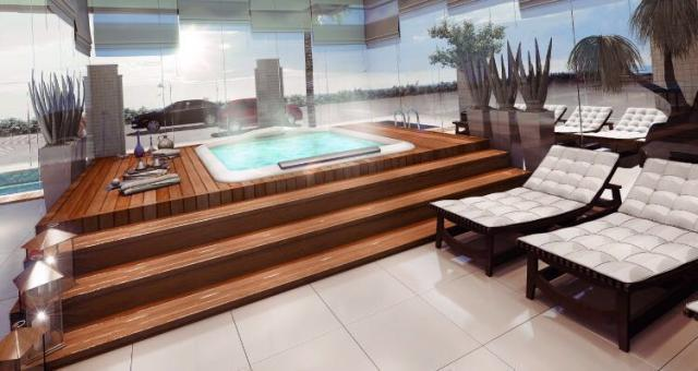 Área de deck e piscina