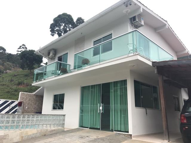 Casa - Código 300 a Venda  no bairro CALHEIROS na cidade de Governador Celso Ramos