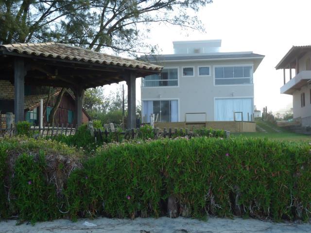Sobrado Código 11 para Temporada no bairro Morrinhos na cidade de Garopaba