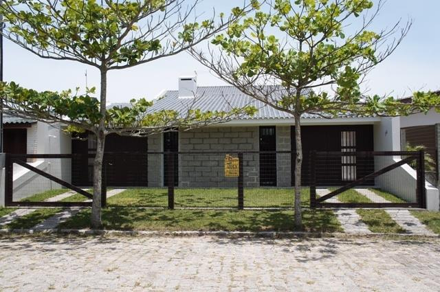 Casa Código 133 para Temporada no bairro Centro na cidade de Garopaba
