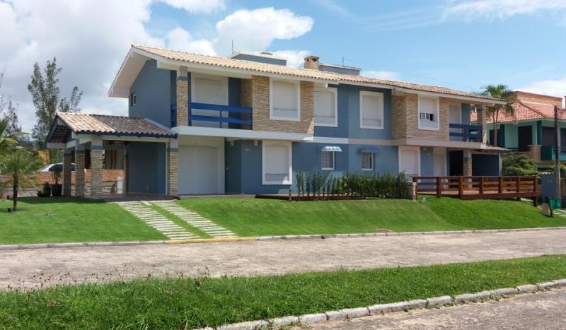 Sobrado Código 66 para Temporada no bairro Morrinhos na cidade de Garopaba