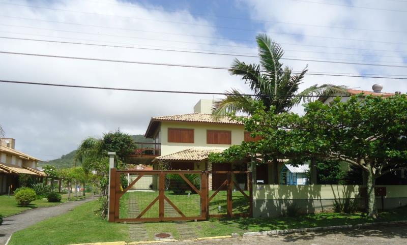 Casa-Codigo-56-para-Aluguel-Temporada--no-bairro-Morrinhos-na-cidade-de-Garopaba