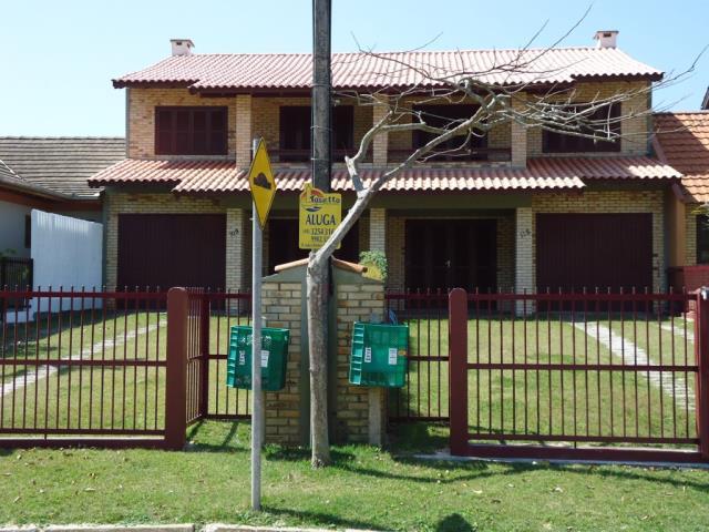 Sobrado Código 80 para Temporada no bairro Morrinhos na cidade de Garopaba