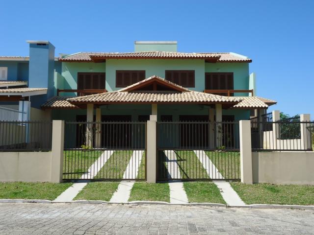 Sobrado Código 82 para Temporada no bairro Morrinhos na cidade de Garopaba