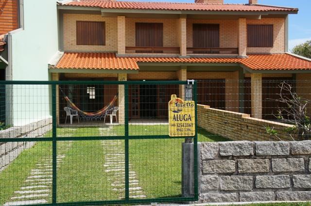 Sobrado-Codigo-123-para-Aluguel-Temporada--no-bairro-Centro-na-cidade-de-Garopaba