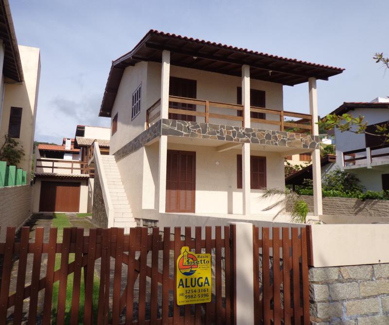 Apartamento Código 42 para Temporada no bairro Morrinhos na cidade de Garopaba