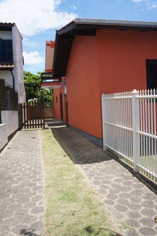 Sobrado Código 100 para Temporada no bairro Centro na cidade de Garopaba