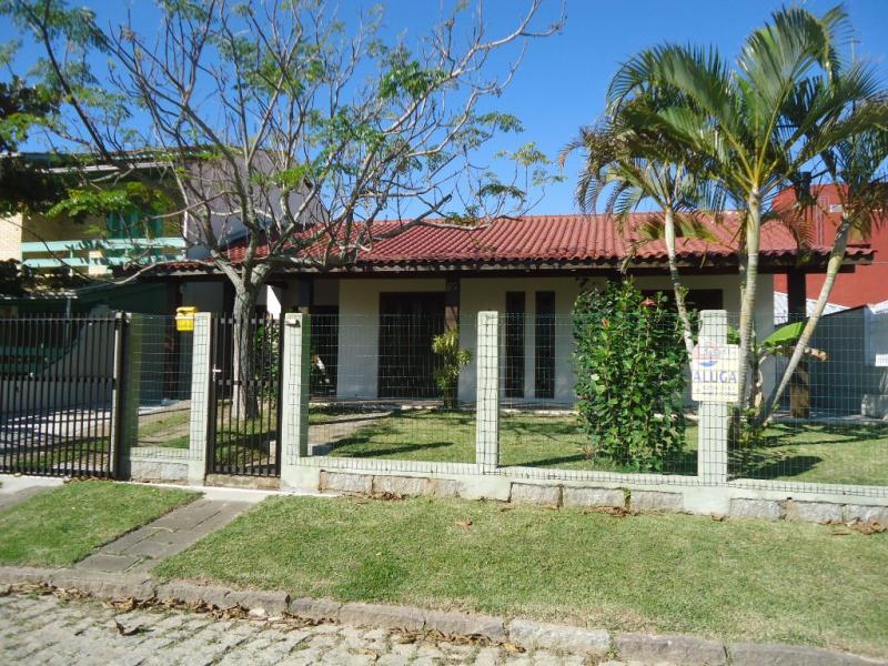 Casa Código 146 para Temporada no bairro Centro na cidade de Garopaba