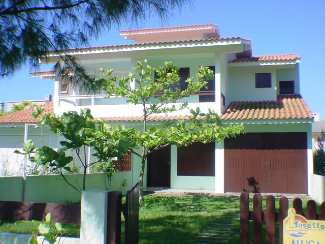 Sobrado Código 68 para Temporada no bairro Morrinhos na cidade de Garopaba