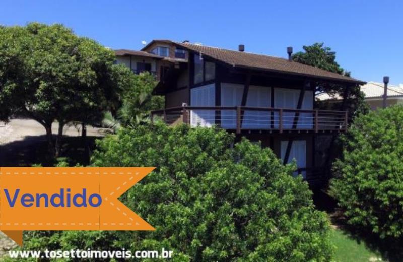 Casa-Codigo-195-a-Venda--no-bairro-Panorâmico-na-cidade-de-Garopaba-Condominio-