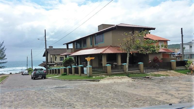 Casa-Codigo-55-para-Aluguel-Temporada--no-bairro-Morrinhos-na-cidade-de-Garopaba