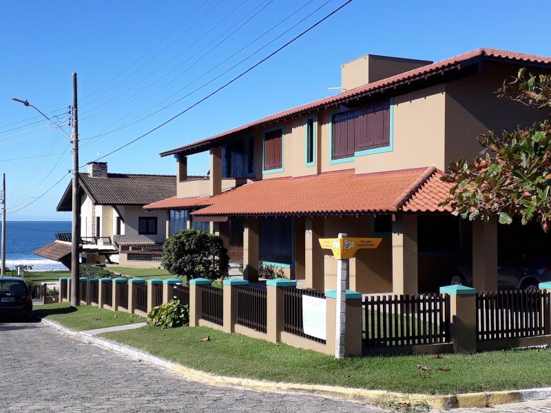 Casa-Codigo-55-para-Temporada--no-bairro-Morrinhos-na-cidade-de-Garopaba
